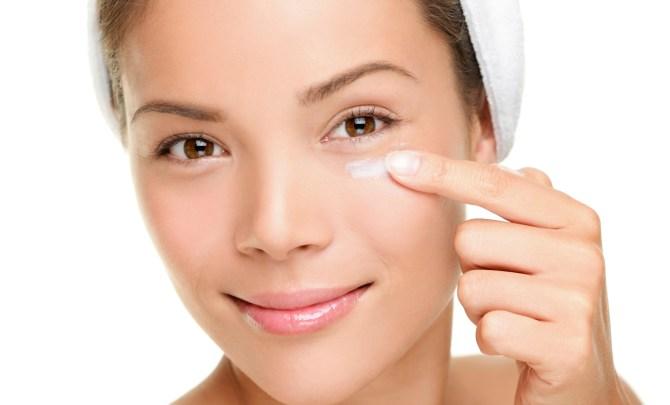 eye cream application
