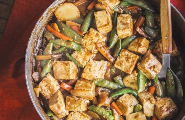 Tofu Stir-Fry with Peanut Sauce