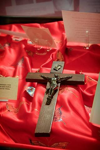 Mission crucifix