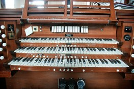 The organ has three separate keyboards that can be played.