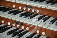 Each key on the the keyboard corresponds with a particular pipe.