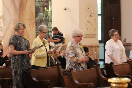 Sisters Jody O'Neil, Marianne Ridgell, Jan Craven and Paula Damiano druing the Mass.
