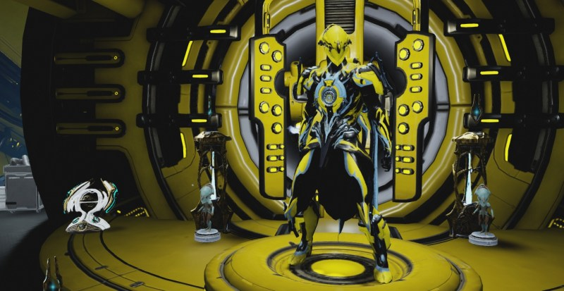 Volt with the Lodestar Armour and the Volt Immortal Skin