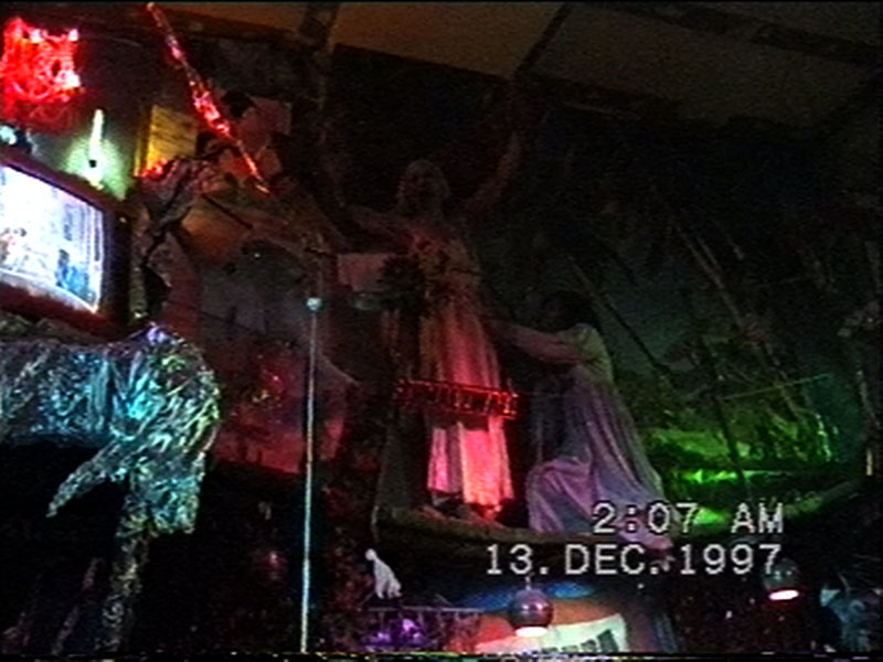 1997-12-12-SF-Schmalzwald-27-carrie-crucify