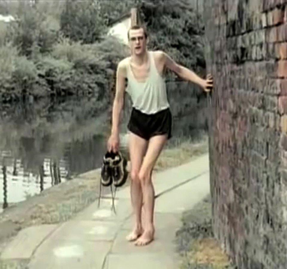 1998-04-01-Hefner-Sweetness-Lies-Within-videograb-04