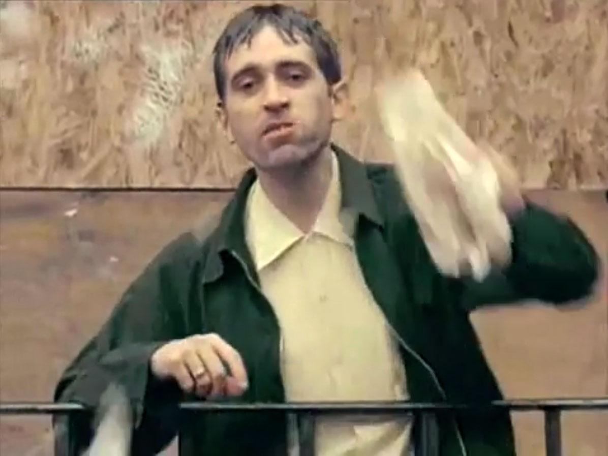 1998-04-01-Hefner-Sweetness-Lies-Within-videograb-11