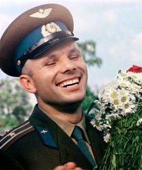 Los 108 minutos del vuelo cambiaron la vida de Gagarin de una vez para siempre. El piloto de un regimiento de aviación se convirtió en el hombre más famoso del mundo. © RIA Novosti. Yuriy Abramochkin