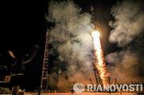 La nave Soyuz TMA-14M con la nueva tripulación de la ISS a bordo despegó de Baikonur a la hora prevista de este viernes.