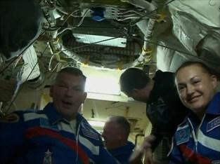 Recibimiento de la Expedición 41 en la EEI. Foto: NASA TV.