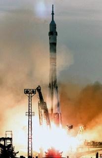 18 de Mayo de 1991: Despegue del cohete portador de la nave Soyuz TM-12 a las 12:50 GMT, con una nueva tripulación rumbo a la Estación Espacial MIR, Baikonur, Unión Soviética. Foto: © Space Facts.