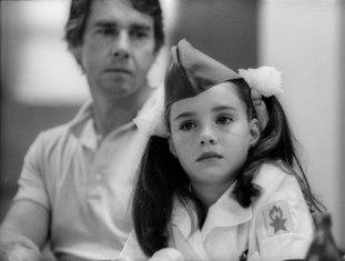 Samantha con su padre en Artek. Foto: Yuri Yakovlev.