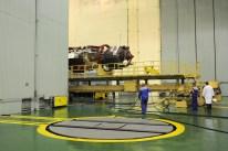 04 de Noviembre de 2016: La nave Soyuz MS-03 es abastecida de combustible, propelentes y gases comprimidos antes de ser trasladada al edificio de pruebas y montajepara ser integrada al cohete Soyuz-FG. Foto: S.P. Korolev/RSC Energia.