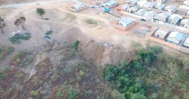 Moradores denunciam lixão no Bairro Bouganville 3