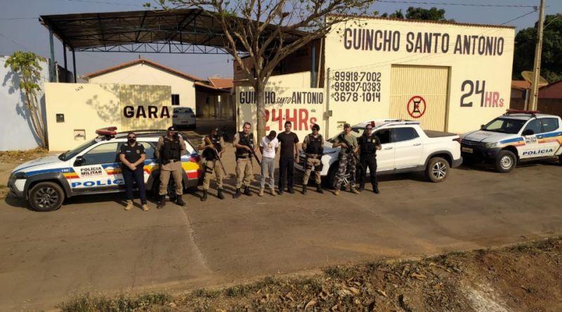 Suspeito de matar a esposa e torturar cinco crianças em Bonfinópolis acaba de ser preso em Riachinho