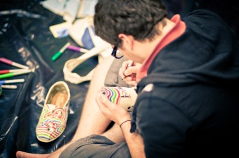 TOMS-Style-Your-Sole-Elmhurst-College-08
