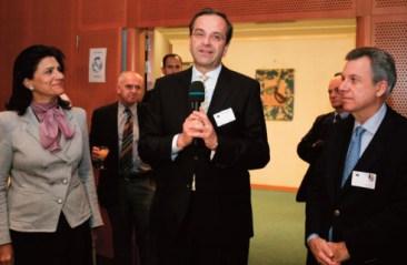 Με τον Πρόεδρο της ΝΔ Αντώνη Σαμαρά και την Ευρω- βουλευτή και Αντιπρόεδρο του Ευρωπαϊκού Κοινοβουλίου Ρόδη Κράτσα.