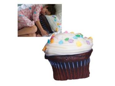giant-cupcake-pillow