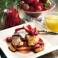 Strawberry Rum French Toast: Easy, Beautiful Valentine's Day Treat