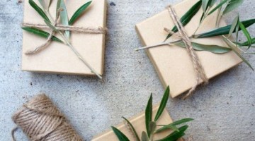 Wrapping Gifts in Craft Paper Style