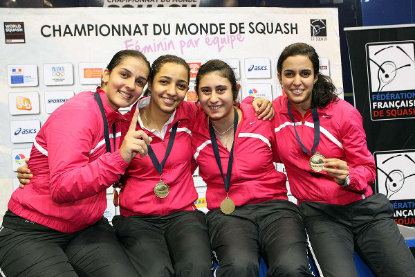 Egypt celebrate winning the world team title in 2012