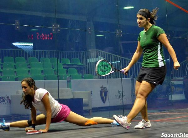 Nouran Gohar does the splits against Omneya Abdel Kawy