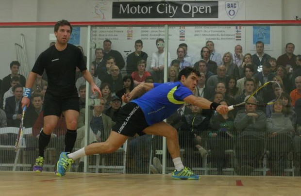 Miguel Rodriguez at full stretch against Mathieu Castagnet