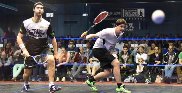 Jens Schoor in action against Simon Rosner