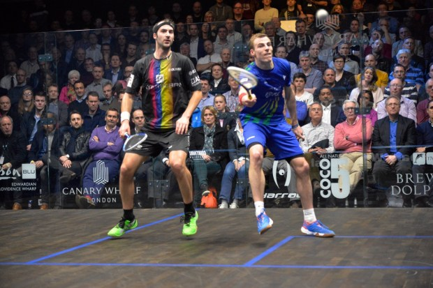 Simon takes on Nick Matthew in the 2015 Canary Wharf final