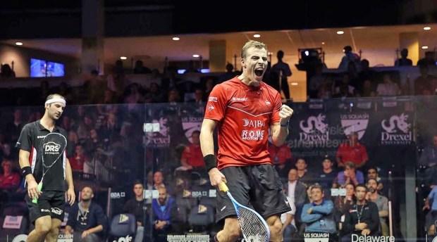 Nick Matthew celebrates victory over Simon Rösner