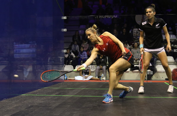 Laura Massaro on the attack against Joelle King