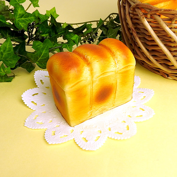 Mother Garden – STRAWBERRY SOFT BREAD