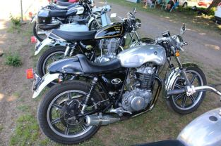 Mark's SR500, Bethanga 2016.