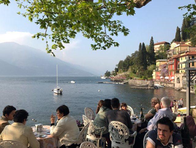 Varenna è la meraviglia del lago di Lecco: il suo lungolago è indimenticabile