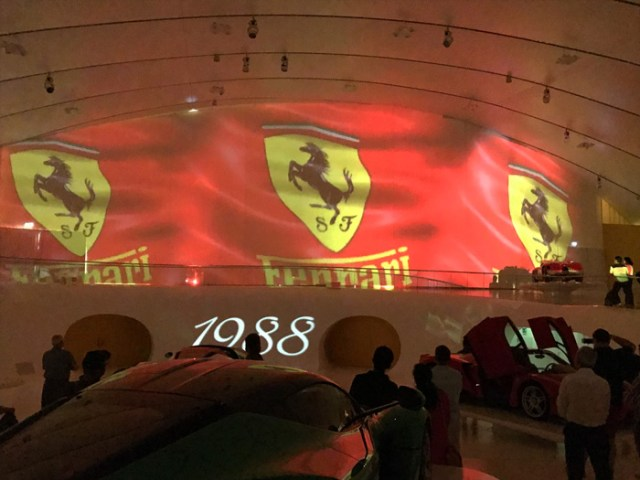 Il Museo Enzo Ferrari a Modena è una delle cose da vedere a Modena
