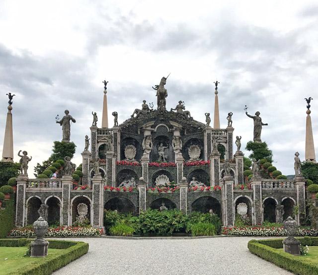 I giardini dell'Isola Bella sono assolutamente da visitare sul Lago Maggiore
