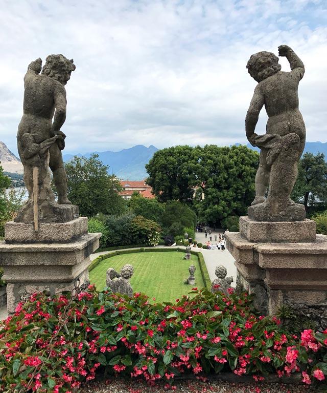 Cosa visitare in Piemonte? Certamente i giardini meravigliosi dell'Isola Bella sul Lago Maggiore