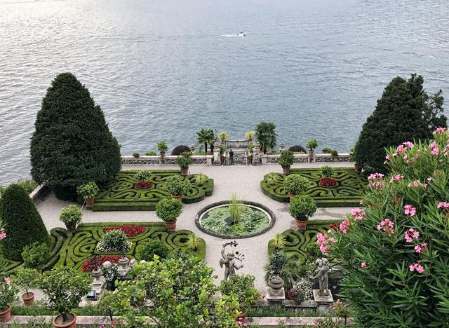 Cosa vedere sul Lago Maggiore? I giardini dell'Isola Bella sono da non perdere!