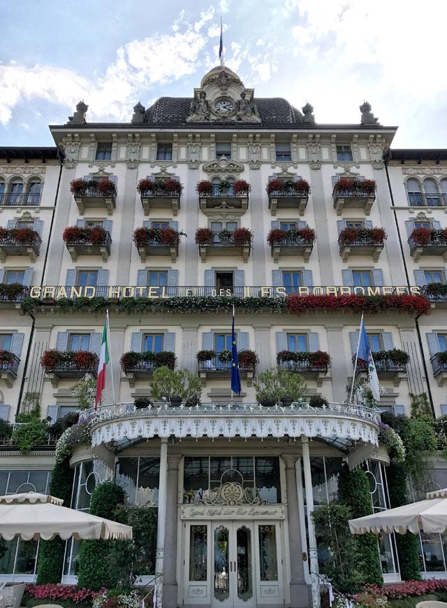 Il Lungolago di Stresa con i suoi lussuosi Grand Hotel è da vedere sul Lago Maggiore