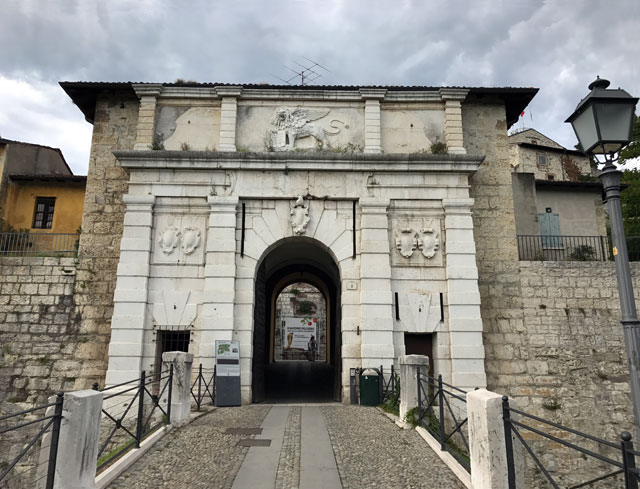 Non perdere il Castello di Brescia e il suo panorama mentre visiti la città lombarda