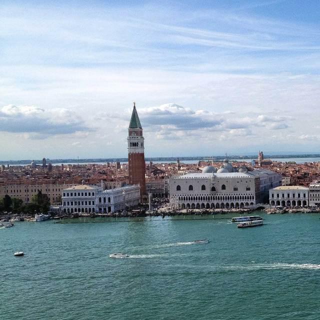 Cosa fotografare a Venezia? Da non perdere la vista dal Campanile di San Giorgio Maggiore che domina la laguna