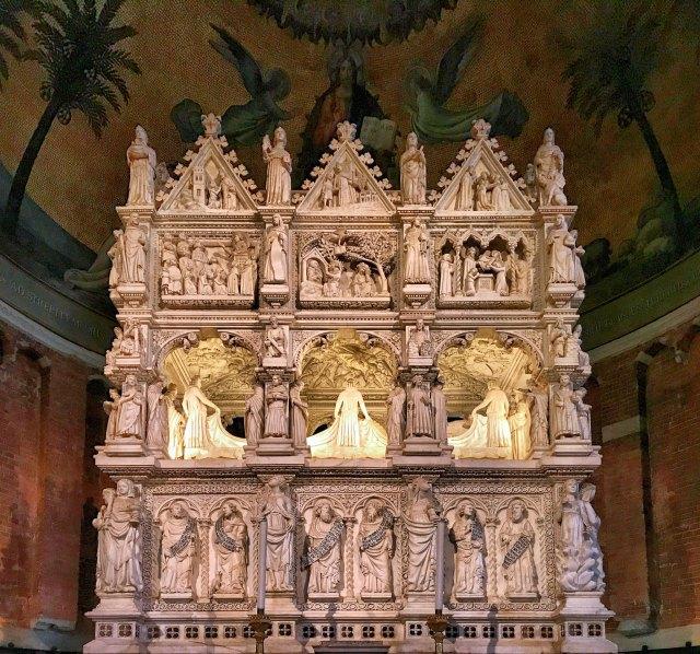 Uno dei tesori medievali di Pavia: San Pietro in Ciel d'Oro!