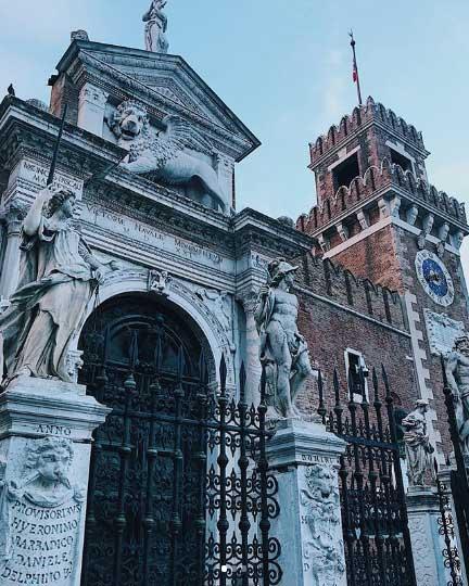 L'Arsenale è uno dei 20 luoghi da vedere e fotografare a Venezia