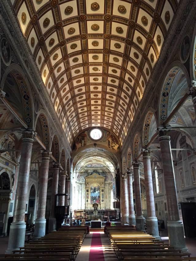 La basilica di Santa Maria in Valvedra è un gioiello da vedere a Lovere!