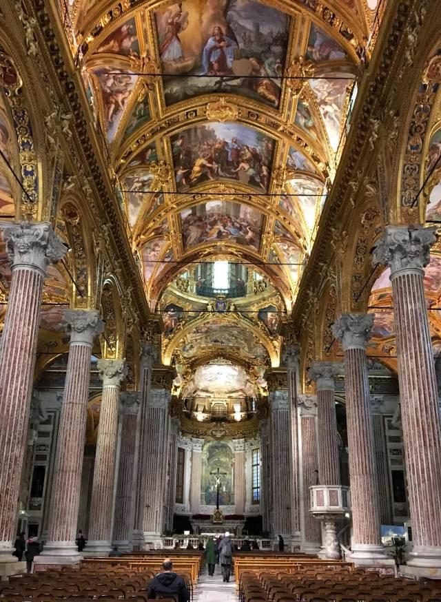 Genova regala anche chiese splendide. La più bella di tutte - secondo Montesquieu - è la Santissima Annunziata del Vastato