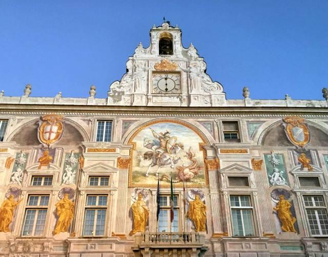 Il Palazzo San Giorgio è uno dei 20 luoghi da vedere e fotografare a Genova