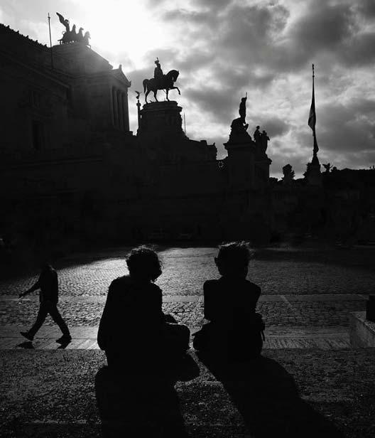 Quali profili Instagram seguire se ami Roma? Di certo @mattego e le sue ombre