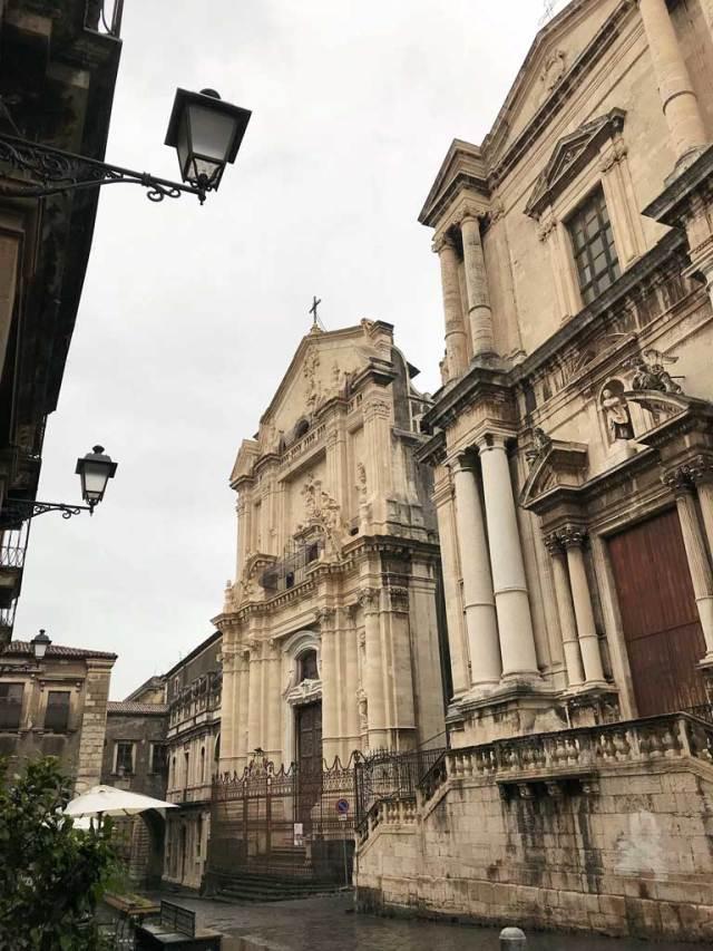 Via Crociferi, la via più bella di Catania: un tripudio dello stile barocco!