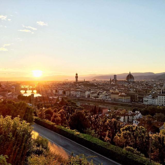 La vista più bella di Firenze? Certamente quella da Piazzale Michelangelo, specialmente al tramonto.