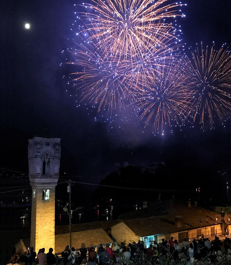 I fuochi di San Giovanni dell'Isola Comacina sono l'evento imperdibile del Lago di Como