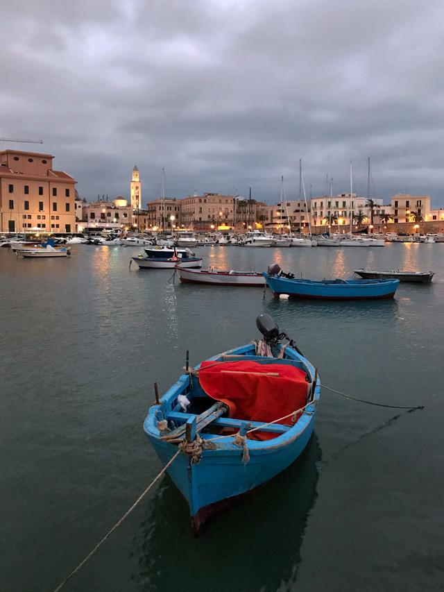 Il Porto Vecchio o Molo San Nicola è un posto da visitare a Bari